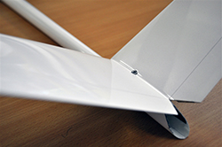 Minimach v-tail detail